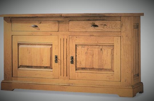 Structure 100% bois massif. Essence de bois en fonction du coloris final voulu.
