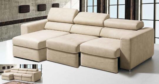 Canapé FLORA avec assises coulissantes et têtière inclinable.