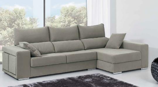 Canapé Chaise longue Luna avec pouf dans l accoudoir. Choix de couleur et texture. Choix dans le sens et existe en canapé 3 places et 2 places.