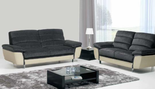 Canapé 3 places et 2 places FILIPE avec assise ressorts ensachés. Plus de 800 combinaisons possible de couleurs et revêtements.
