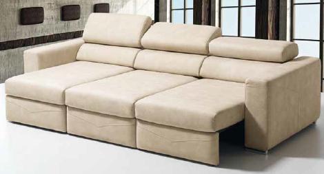 Canapé FORA Assise completement ouverte pour offrir un confort chaise longue a chacun des 3 utilisateurs.